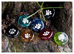 A piece of pet cremation art will serve as a gentle reminder of the pets memory