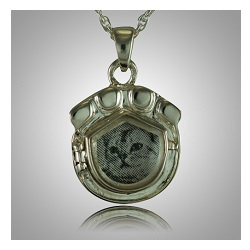 A photo pet pendant will hold a remembrance and a picture of the pet