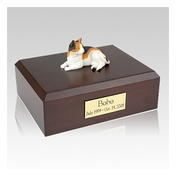 A pet epitaph can be anything from name and dates to a loving verse or poem