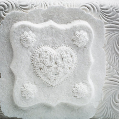 Corazon Small Biodegradable Urn