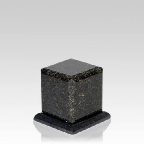 Grande Verde Granite Medium Urn