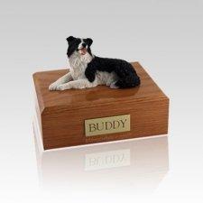Border Collie Lying Medium Dog Urn