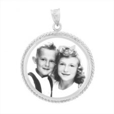 Charm White Gold Etched Pendant