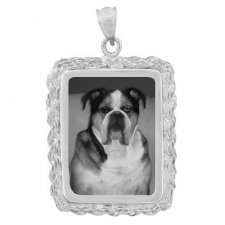 Elegance White Gold Etched Pendant
