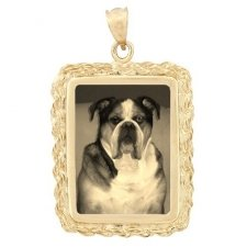 Elegance Yellow Gold Etched Pendant