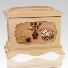 Gardening Maple Cremation Urn