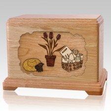 Gardening Oak Hampton Cremation Urn