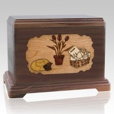 Gardening Walnut Hampton Cremation Urn
