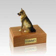 German Shepherd Sitting Medium Dog Urn