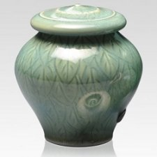 Green Leaves Keepsake Urn