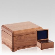 Highlands Wood Cremation Urns