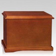 Honroso Wood Urn
