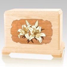 Lily Maple Hampton Cremation Urn