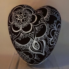 Mehendi Ceramic Heart Urn