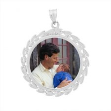 Wreath White Gold Photo Pendant