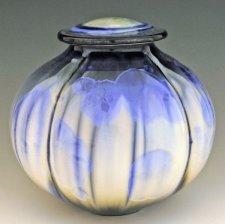 Que Bella Art Cremation Urn