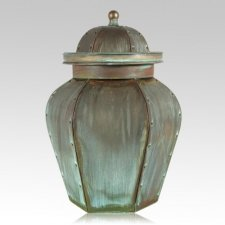 Verde Lacross Grand Copper Urn
