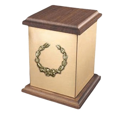 Yukon Wreath Bronze Cremation Urn