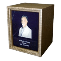 Photo Maple Wood Cremation Urn