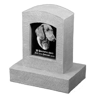 Upright Rounded Small Pet Monument